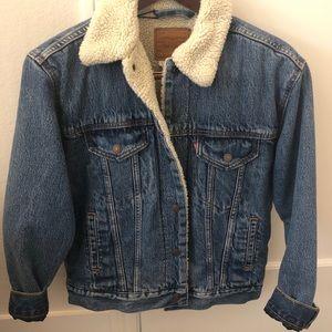 NWT Levi's denim jacket w fur (XS)